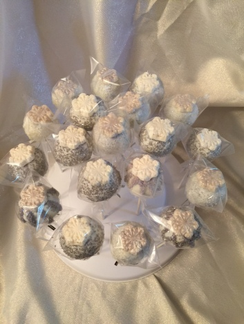 Snow flake cake pops